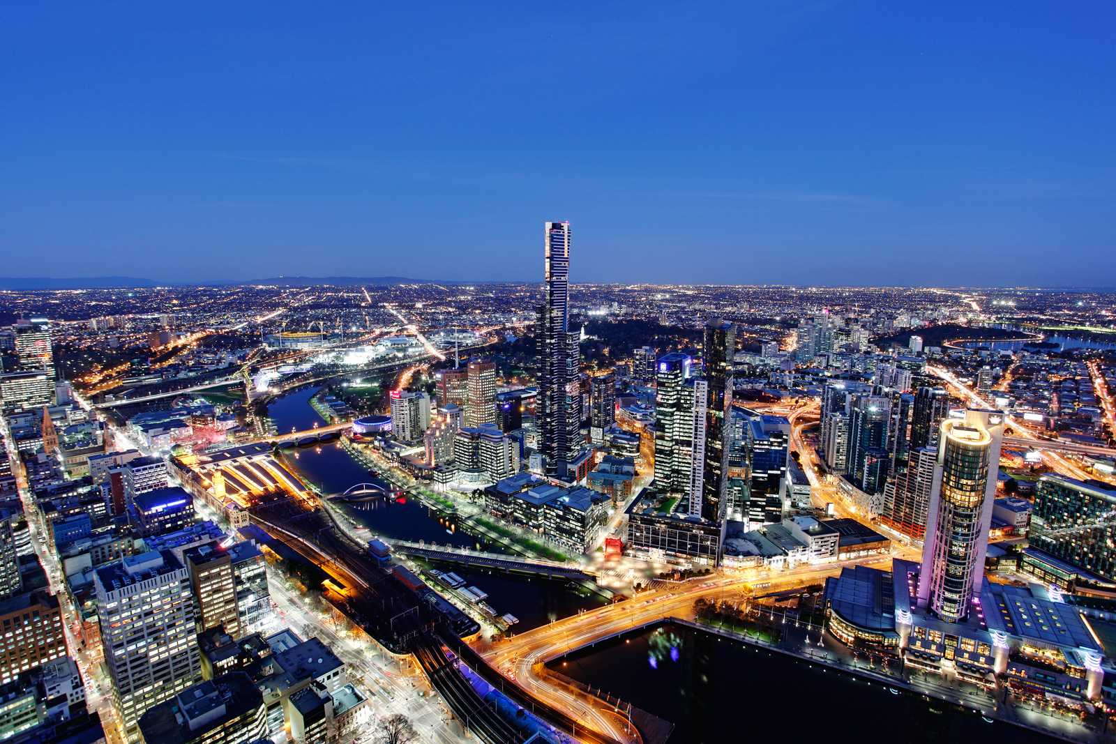 Melbourne_by_night
